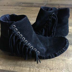 Minnetonka black suede moccasins